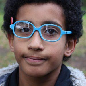 Maleiny porte une lunette pour les brise-fer avec branches à 360°